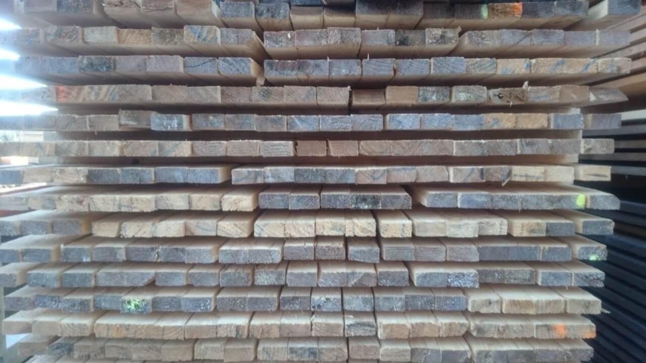 Latten Holz